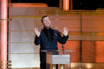 מנחה הערב, ריקי ג'רוויס, בטקס פרסי גלובוס הזהב 2009.