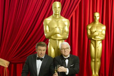 אוסקר 2010: המנחים אלק בולדווין עם סטיב מרטין.