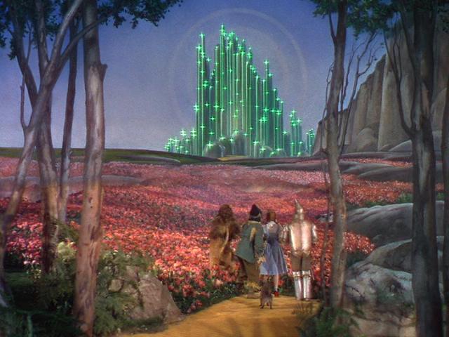 """הטירה מ""""הקוסם מארץ עוץ""""."""