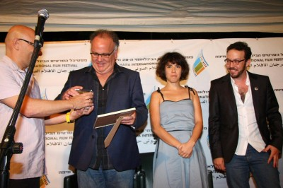 """הצוות של """"שש פעמים"""", זוכה פרסי הביכורים, התסריט והשחקנית. צילום: גוסטבו הוכמן"""