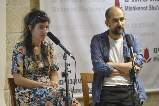 """המפיק שלומי אלקבץ עם הבמאית אור סיני, הזוכים בפרס השני על """"כחום היום"""". צילום: יוסי צבקר"""