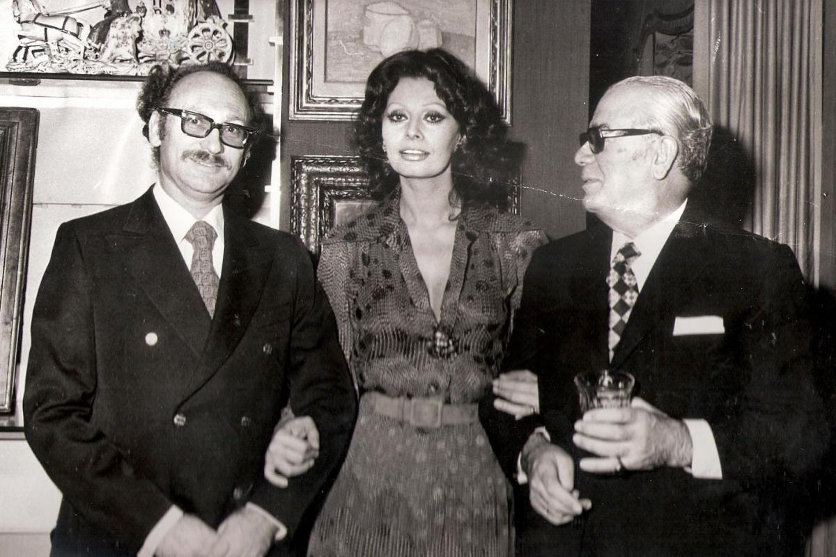 תמונה של אפרים גלעד עם סופיה לורן