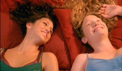 """תמונה של רוני טל עם ליה פילוסוף מתוך """"ילדה גדולה"""""""