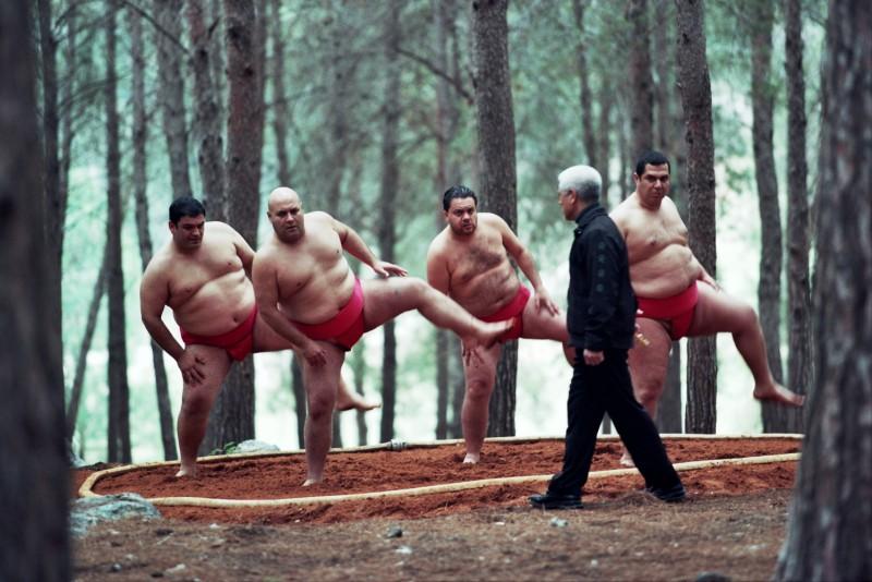 """תמונה של שמוליק כהן עם דביר בנדק, אלון דהן, איציק כהן מתוך """"סיפור גדול"""""""