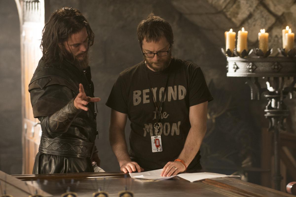 """תמונה של טראוויס פימל עם דאנקן ג'ונס מתוך """"וורקראפט: ההתחלה"""""""