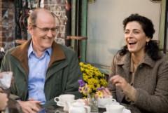 """תמונה של ריצ'ארד ג'נקינס עם היאם עבאס מתוך """"האורח"""""""