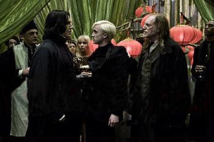 טום פלטון ואלן ריקמן. מתוך הארי פוטר והנסיך חצוי-הדם.
