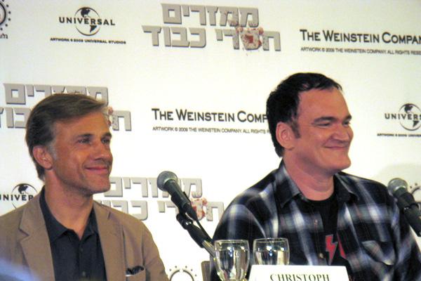 קווינטין טרנטינו (מימין) וכריסטוף וולץ, במסיבת העיתונאים בישראל. צילום: אלי שגב.