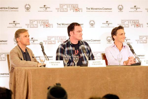 מימין: לורנס בנדר, קווינטין טרנטינו וכרטיסוף וולץ. צילום: רפי דלויה