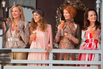 מימין לשמאל: קירסטין דייויס, סינת'יה ניקסון, שרה ג'סיקה פרקר, קים קטרל. מתוך סקס והעיר הגדולה 2.