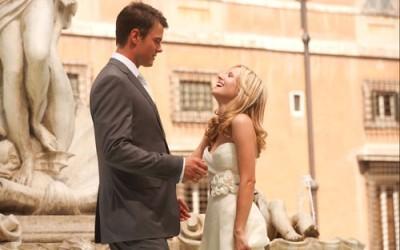 קריסטן בל עם ג'וש דוהמל. מתוך להתאהב ברומא.