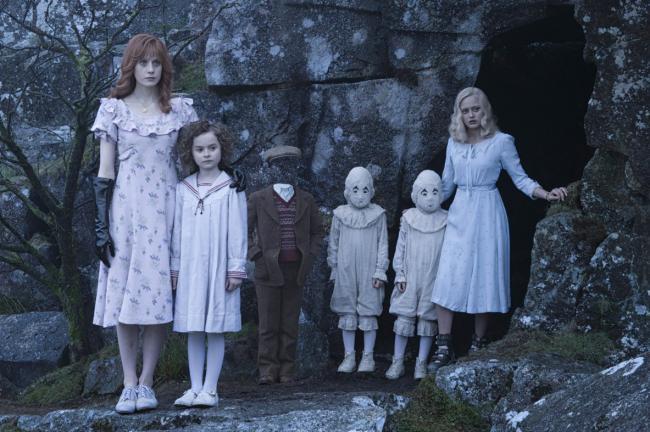 """""""המעון של מיס פרגרין לילדים משונים""""."""