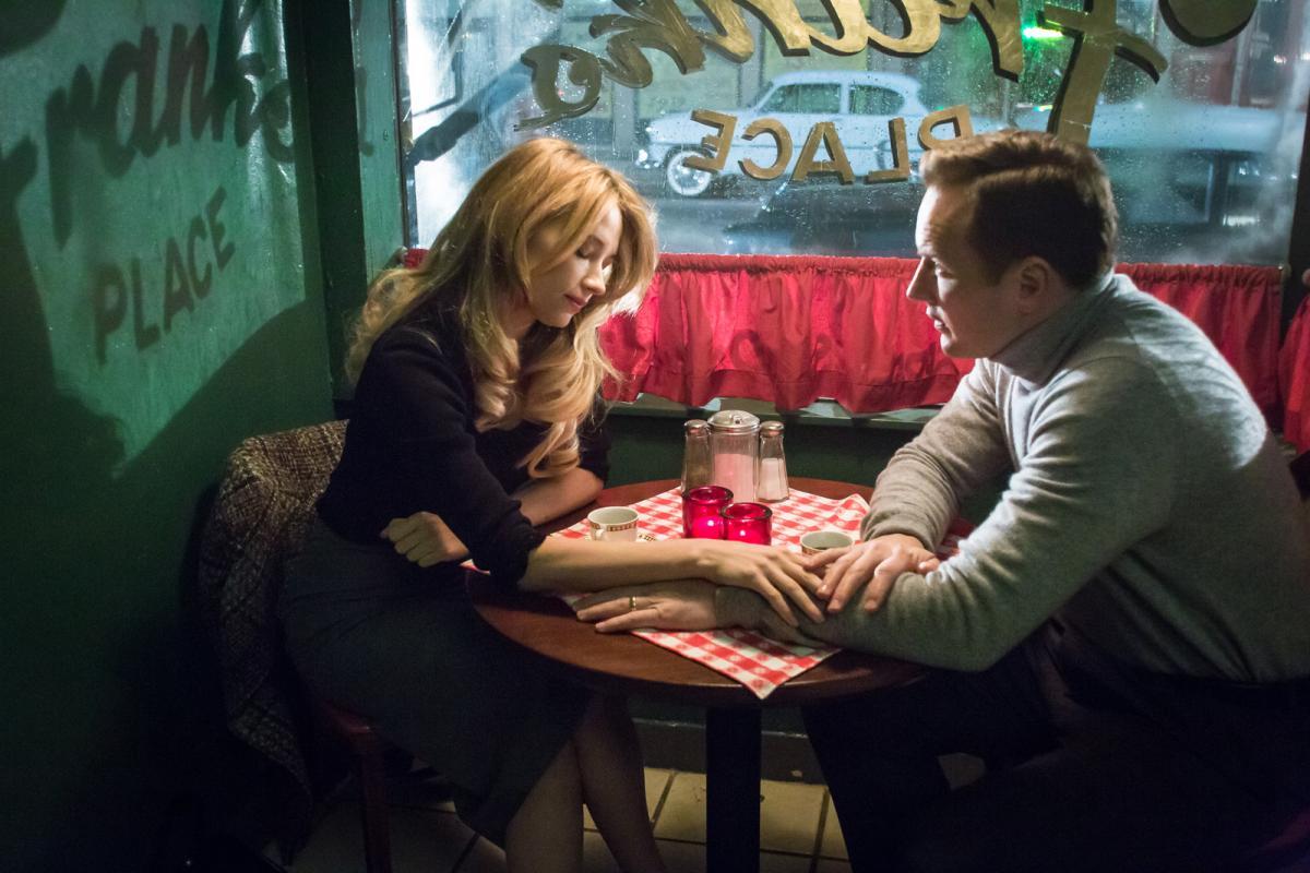 """תמונה של פטריק ווילסון עם היילי בנט מתוך """"סוג של רצח"""""""