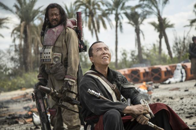"""""""רוג אחת: סיפור מלחמת הכוכבים"""". דוני ין, וון ז'ינג."""