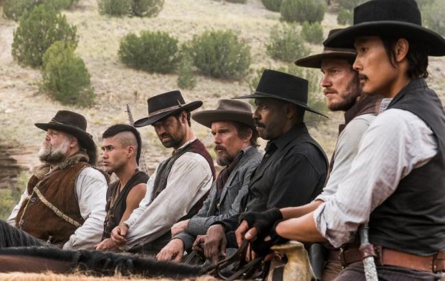 """""""שבעת המופלאים"""". ביונג-הון לי, כריס פראט, דנזל וושינגטון."""