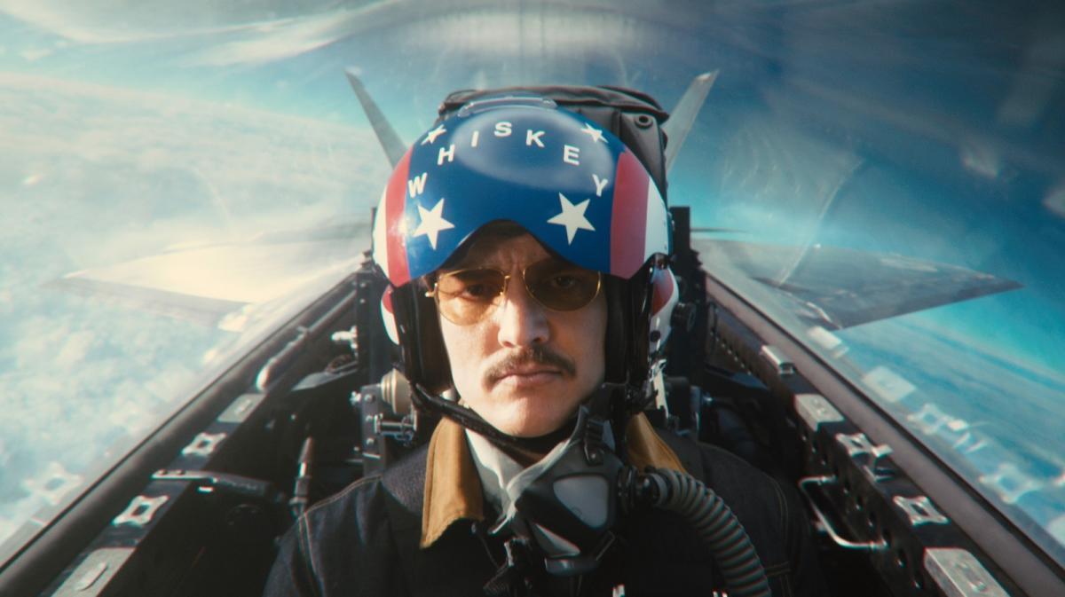"""תמונה של פדרו פסקל מתוך """"קינגסמן 2: מעגל הזהב"""""""