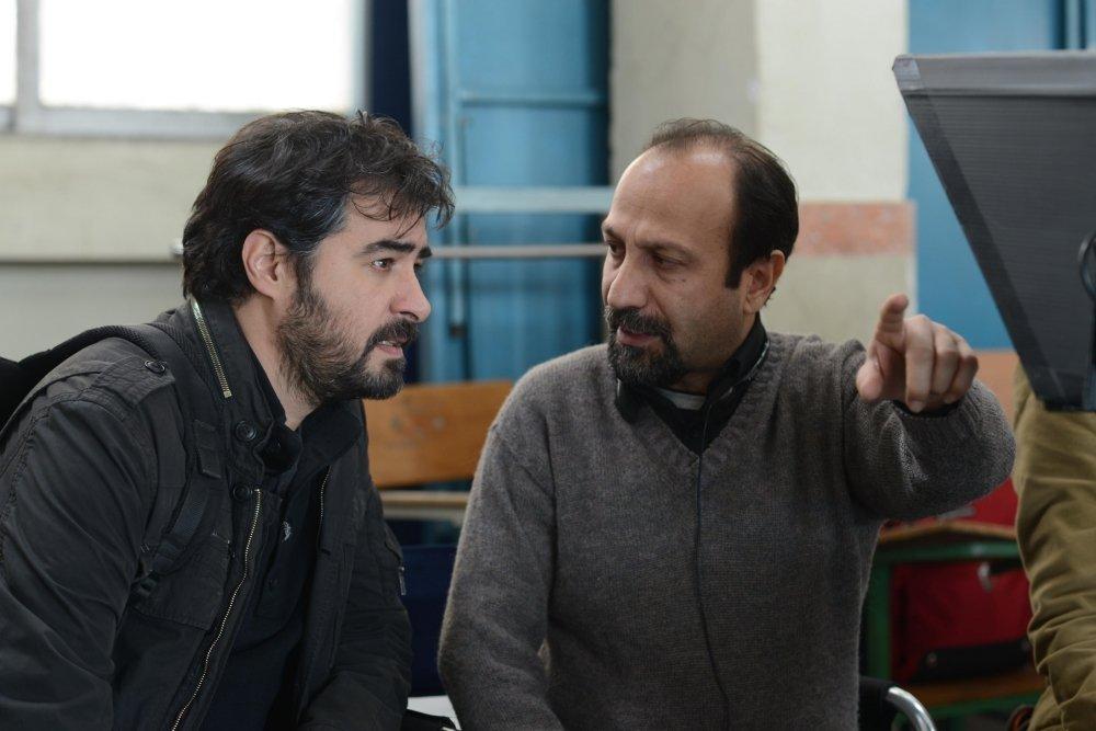 """תמונה של שאהאב חוסייני עם אשגאר פרח'אדי מתוך """"הסוכן"""""""
