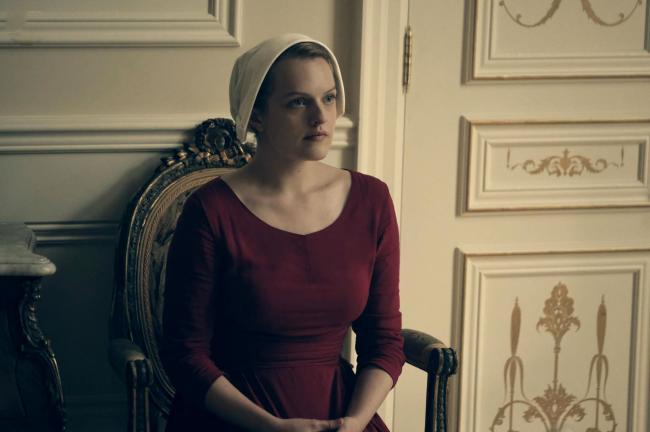 """""""סיפורה של שפחה"""". אליזבת' מוס."""