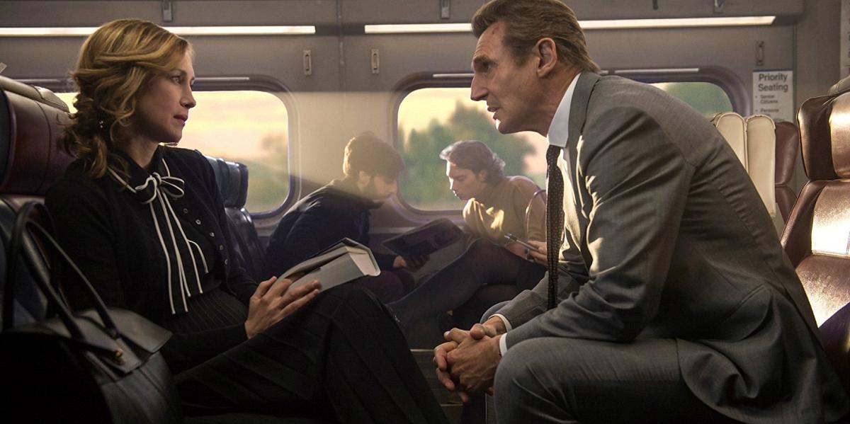 """תמונה של ורה פרמיגה עם ליאם ניסן מתוך """"הנוסע"""""""