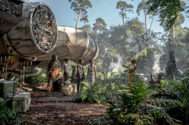 """""""מלחמת הכוכבים: פרק 9 - עלייתו של סקייווקר"""". דייזי רידלי, ג'ון בויגה, אוסקר אייזק."""