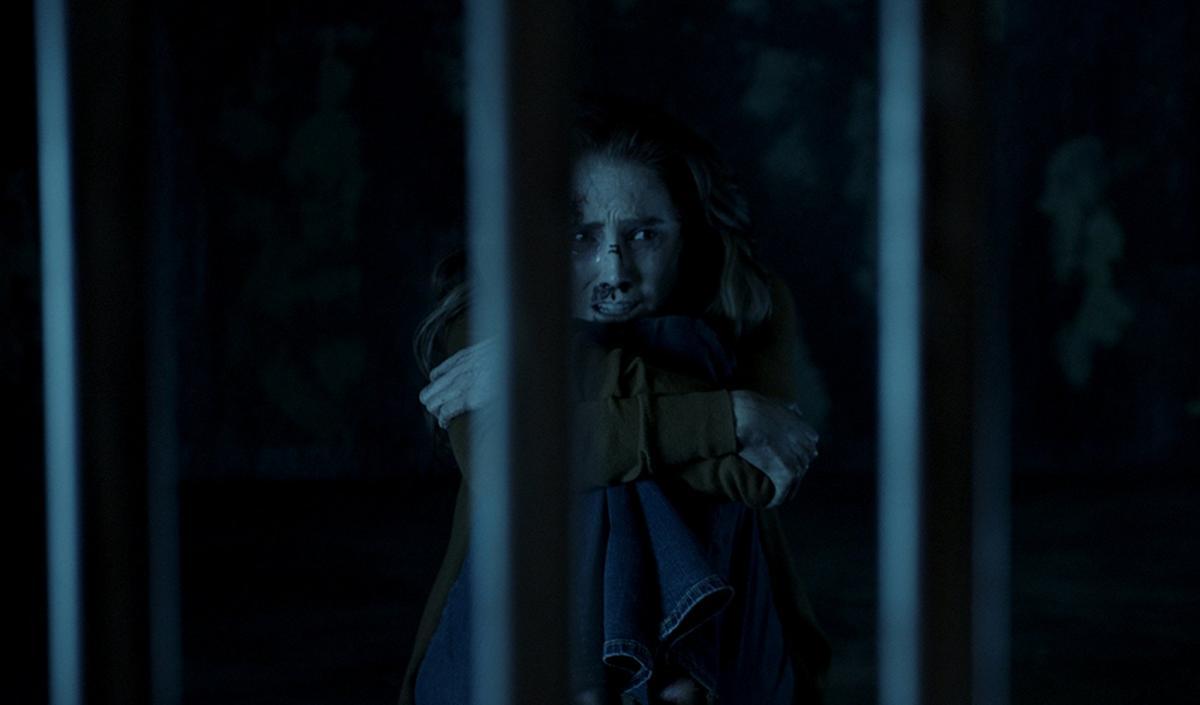 """תמונה של ספנסר לוק מתוך """"הרוע שבפנים 4: המפתח האחרון"""""""