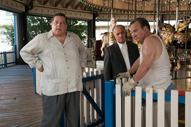 """""""גלגל ענק"""". ג'ים בלושי, טוני סיריקו, סטיב שיריפה."""