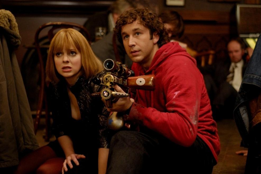 """תמונה של כריס או'דאווד עם אנה פאריס מתוך """"שאלות נפוצות על מסע בזמן"""""""