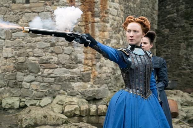"""תמונה של סירשה רונאן מתוך """"מרי מלכת הסקוטים"""""""