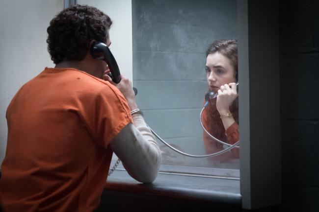"""""""משפטו של טד בנדי"""". לילי קולינס."""