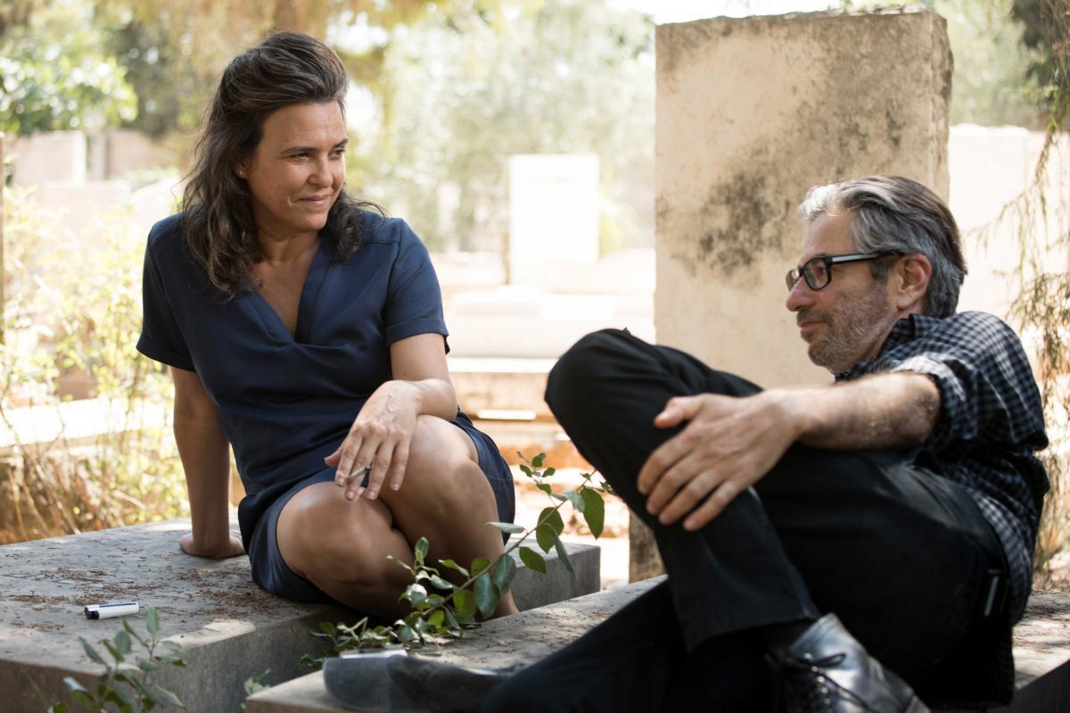 """תמונה של דנה מודן עם יובל בנאי מתוך """"ככה זה"""""""