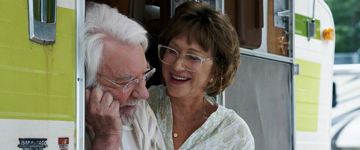 """תמונה של דונלד סאת'רלנד עם הלן מירן מתוך """"אהבה בדרכים"""""""