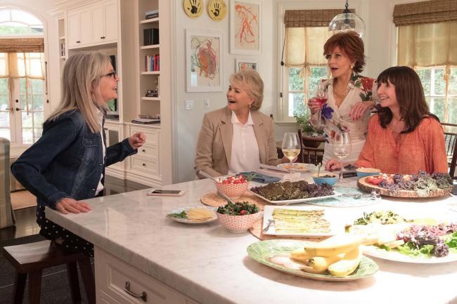 """""""מועדון הספר הטוב"""". מרי סטינבורגן, ג'יין פונדה, קנדיס ברגן, דיאן קיטון."""
