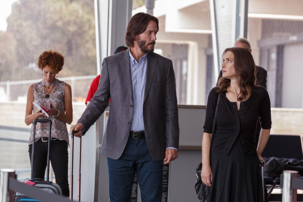 """תמונה של וינונה ריידר עם קיאנו ריבס מתוך """"היעד חתונה"""""""
