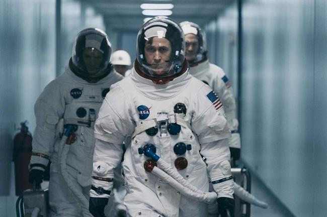 """""""האדם הראשון"""". ריאן גוסלינג."""