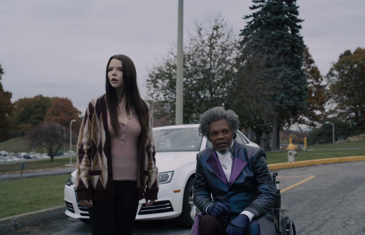 """תמונה של סמואל ל. ג'קסון עם אניה טיילור-ג'וי מתוך """"מיסטר גלאס"""""""