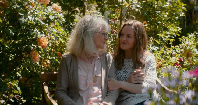 """""""אהבה כמו שלנו"""". הילארי סוואנק, בליית' דאנר."""