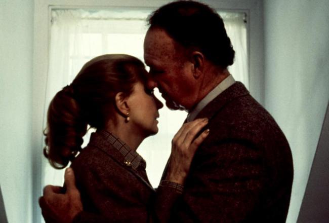 """""""אשה אחרת"""". ג'ין הקמן, ג'נה רולנדס."""