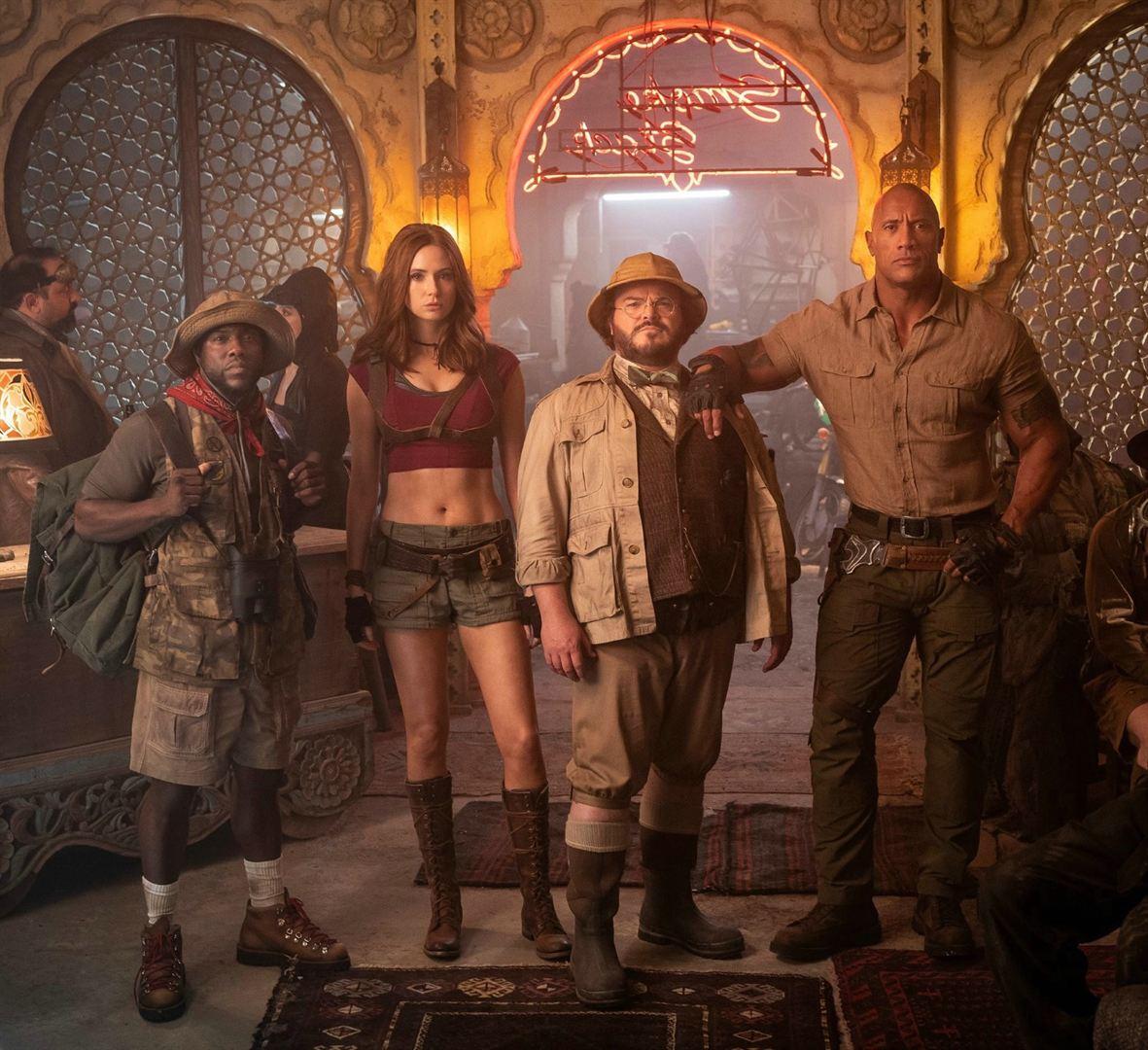 """תמונה של קארן גילן עם דוויין ג'ונסון, ג'ק בלאק, קווין הארט מתוך """"ג'ומנג'י 2: השלב הבא"""""""