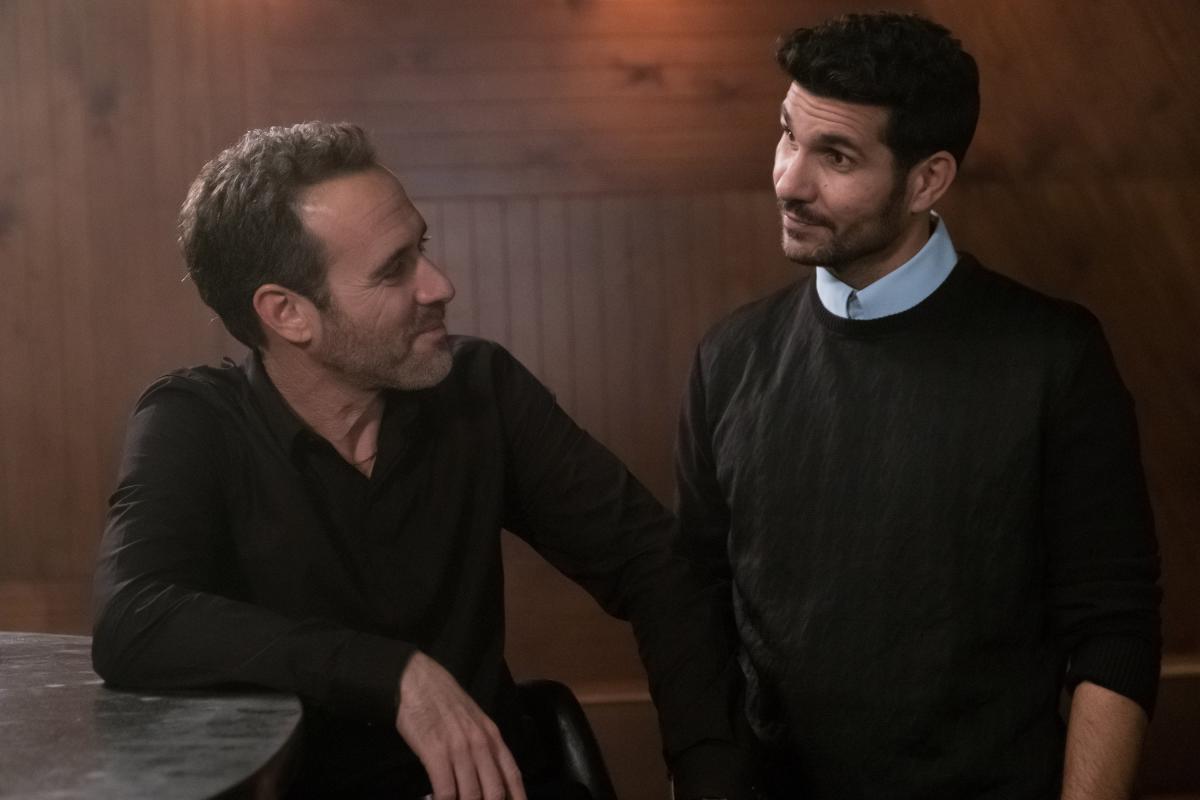 """תמונה של זהר שטראוס עם שלומי קוריאט מתוך """"אול אין"""""""