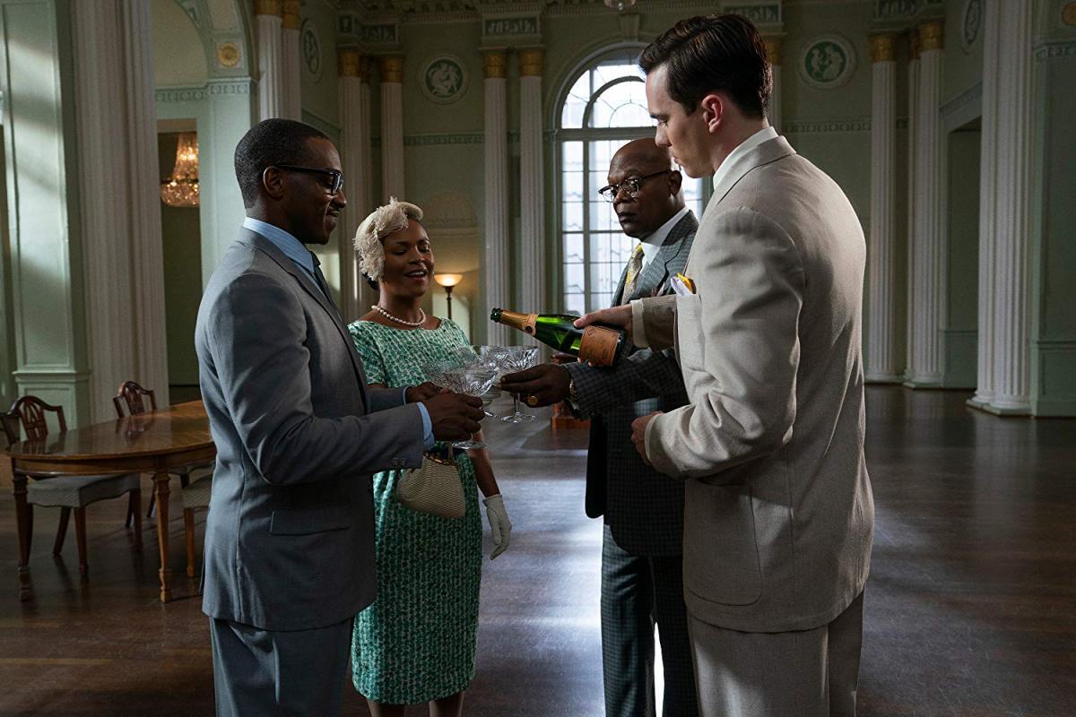 """תמונה של ניה לונג עם ניקולס הולט, סמואל ל. ג'קסון, אנתוני מאקי מתוך """"הבנקאי"""""""