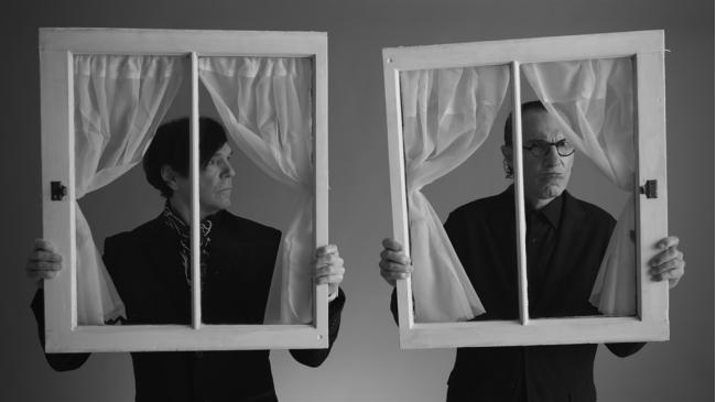 """""""האחים ספארקס"""" – ביקורת פסטיבל דוקאביב: דפוס קבוע שמפסיק לעניין"""