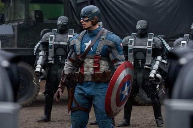 """""""קפטן אמריקה"""". כריס אוואנס."""