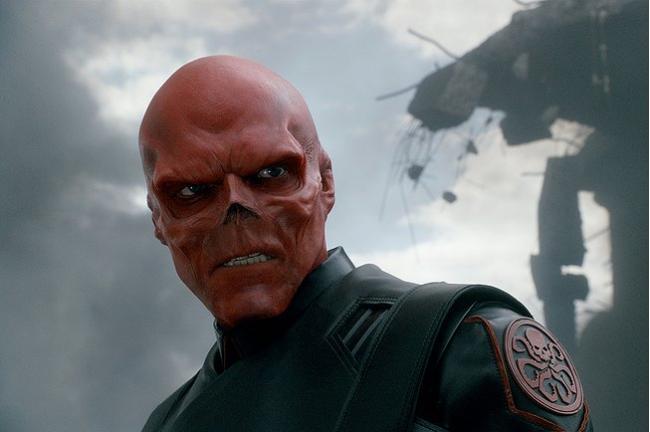 """""""קפטן אמריקה"""". הוגו וויבינג."""