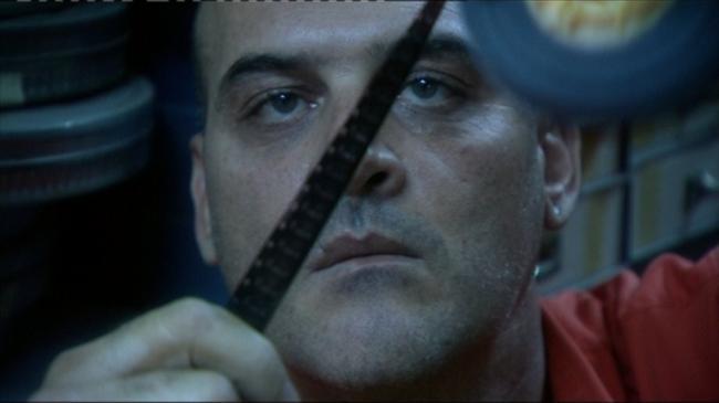 """""""המדריך למהפכה"""". דורון צברי הגדיר את הסרט עלילתי והאקדמיה נענתה."""