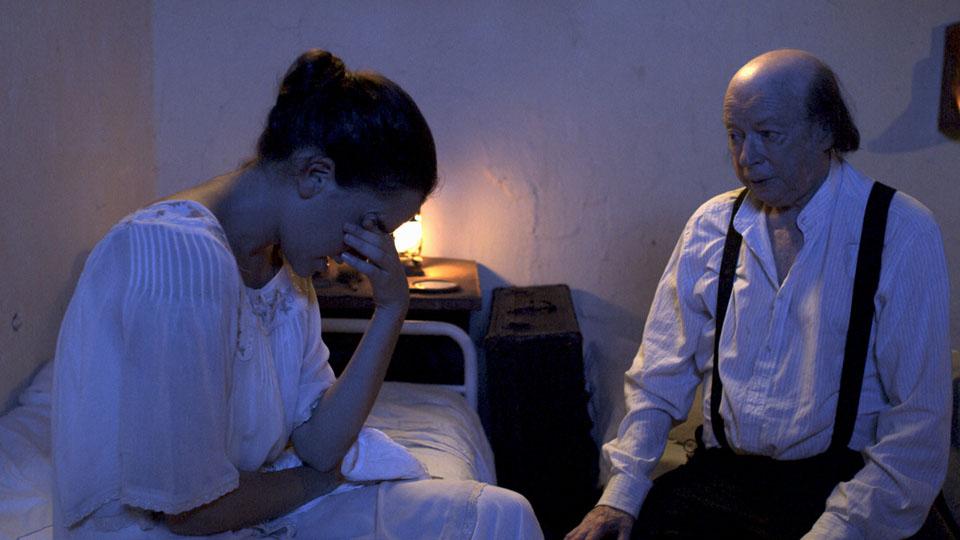 """תמונה של יעקב בודו עם תמר אלקן מתוך """"גיא אוני"""""""