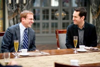 מימין: פול ראד עם סטיב קארל. מתוך אידיוט מושלם.