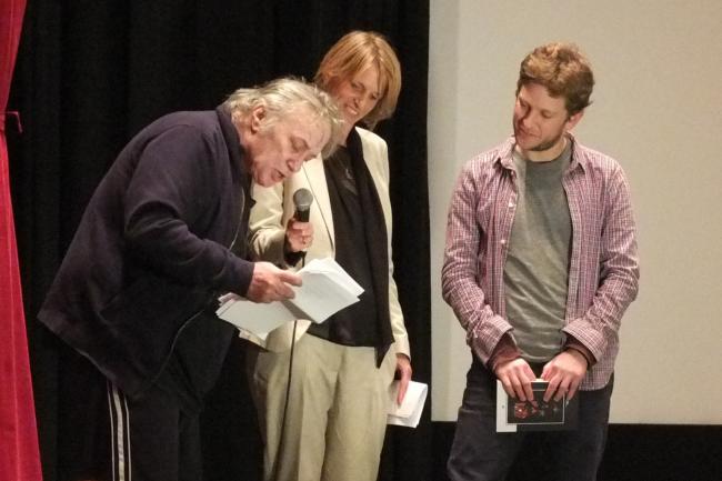"""מימין: מויש גולדברג, עדי ארבל, אסי דיין, בפרימיירת """"החיים כשמועה"""". צילום: יוני המנחם"""