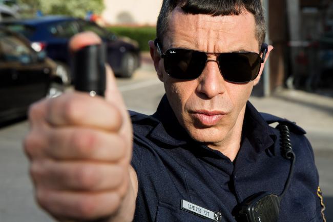 """""""השוטר הטוב"""". יובל סמו."""