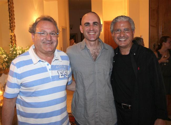 יוסף סידר במרכז עם האחים משה אדרי, ליאון אדרי. צילום: רפי דלויה.
