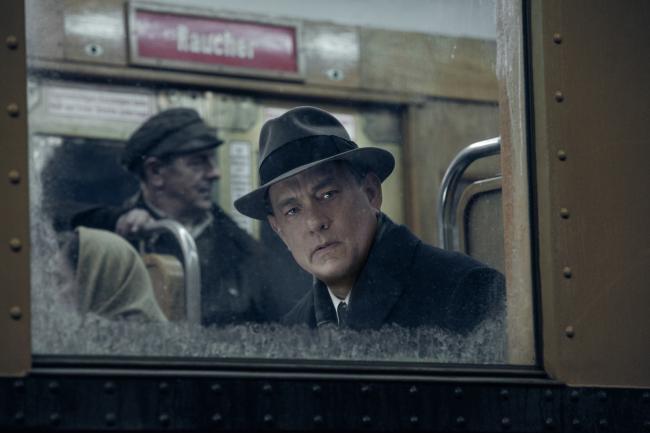 """""""גשר המרגלים"""". טום הנקס."""